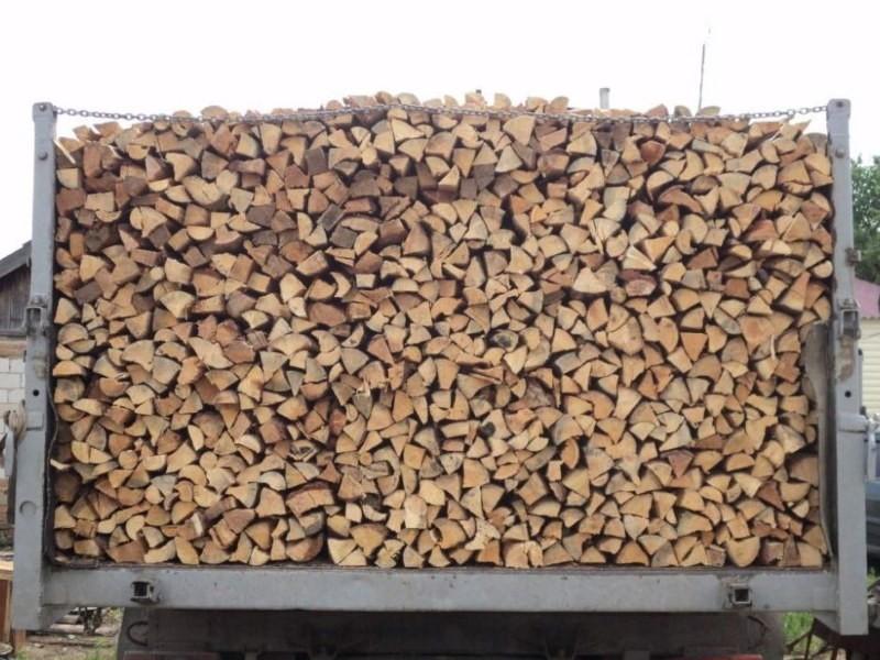 машина с дровами